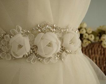 Crystal Beaded Rhinestone Applique with 3D Chiffon Rosette Flowers for Bridal Sash, Wedding Belt