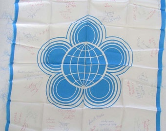 Vintage 10th World Festival of Youth and Students Berlin East Germany 1973 Scarf with Autographs Memorabilia Movie Prop