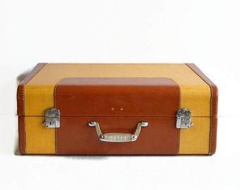 vintage Wheary suitcase with key 1940s travel luggage