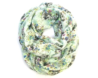 Skull Scarf, Infinity Scarf, Circle Scarf, Trendy Fashion Scarf, Hipster Scarf, Women's Clothing, Teen Gift, FREE SHIPPING