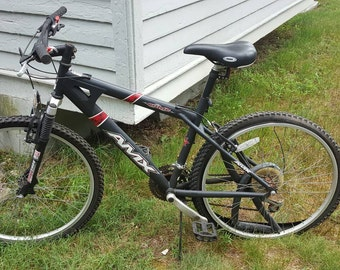 Amx sonic steel bike