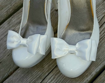 Bridal Shoe Clips, Wedding Shoe Clips, Satin Shoe Clips, Bridal Accessories, Wedding Accessories, Shoe Clips Only MANY COLORS, Gift