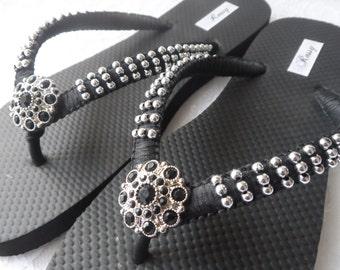 Black Flip Flops / Wedding Color Flip Flops / Macrame Beach Flip Flops / Silver Pearls Sandals / Bridesmaids Shoes.