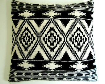 Pillow Cover Knitted Ethnic Pattern Ikat  Kelim Geometric Black and White Creme Kilim 50x50cm