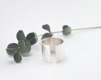 Open space cuff ring