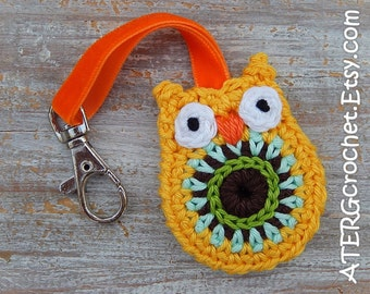 OWL keychain 'canary' by ATERGcrochet