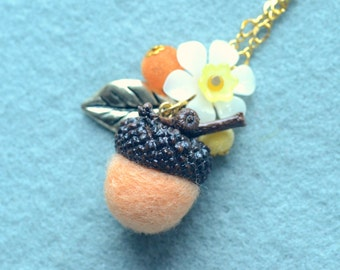Woodland theme acorn and flower necklace, needle felted acorn necklace, peach color, whimsical jewelry, gift under 15