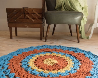 Crocheted rug, round rug - floor rug in denim, rust and mustard