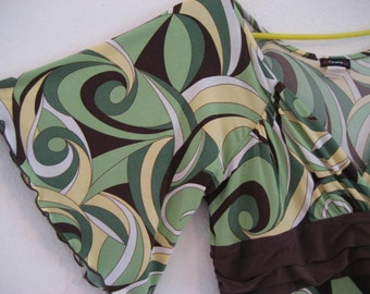 Vintage ladies paisley dress.  Flutter sleeve.  Green and brown.