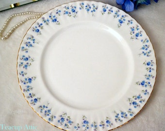 Royal Albert Memory Lane Dinner Plate, English Bone China, Replacement China, ca 1970