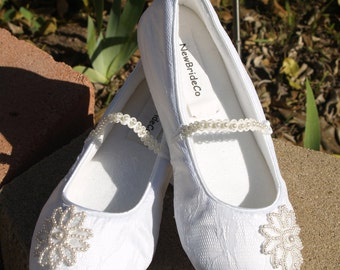 Bridal Flats Wedding IVORY SHOES Comfortable Vegan with Pearls Flower appliqué shoes - Wedding flats ivory rose, Mary Janes slipper