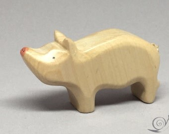 Toy Piglet Wooden / white Size: 6,5 x 3,5 x 1,7 cm (bxhxs)  approx. 10,5 gr.