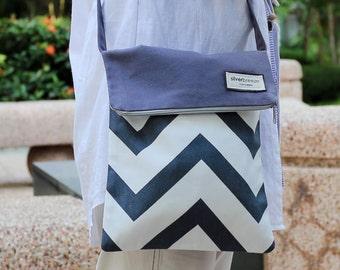 Crossbody bag / shoulder bag / travel bag with zipper  ~ Grey chevron (C9)