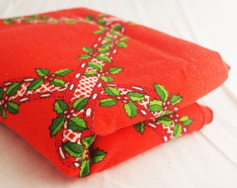 Tablecloth -Christmas Cotton 65x49 Red and Green Holly