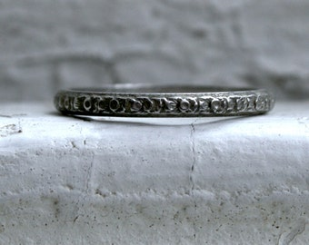 Gorgeous Vintage Engraved Platinum Wedding Band.
