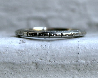 Classic Vintage Floral 18K White Gold Wedding Band.