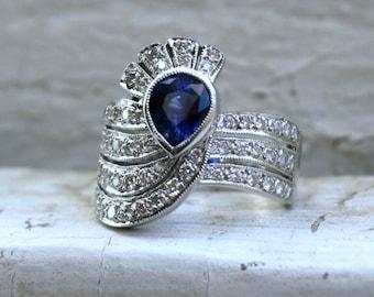 Stunning Vintage Art Deco 18K White Gold Diamond and Sapphire Ring - 2.10ct.