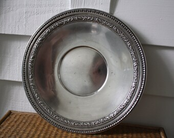 Vintage Reed & Barton silver-plated platter, silver platter, round silver plate
