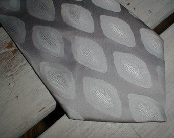 Wembley Polyester Necktie *For Blue Black Or Grey Suit* Silver Monochromatic Abstract Design *Sharp Tie*