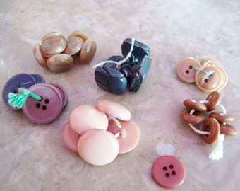 Half Price! 33 VINTAGE CELLULOID PLASTIC And Wood Old Pink Brown Maroon Shades Button Sewing Crafting Collectibles