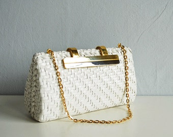 Vintage Wicker Handbag / 1960s Mod White Woven Straw Structured Clutch Bag Minaudiere with Gold Hardware