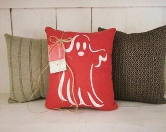 Decorative pillows,halloween pillows, holiday pillows, ghosts, autumn, fall decor, rustic halloween, farmhouse decor,