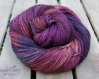 Ewetopia Worsted, Hand dyed yarn, Superwash Merino Wool, 218 yds/ 100g: Corazon.