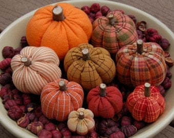 Primitive Fall Thanksgiving, Homespun Pumpkin Ornies, Mixture of Prints