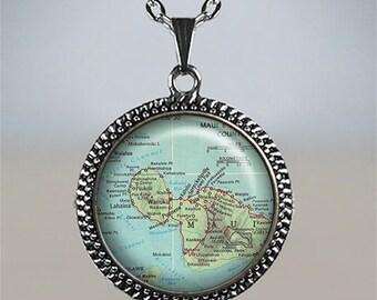 Maui map necklace, Maui vintage map charm, Maui necklace, Maui jewelry, Hawaii map jewelry, travelers gift, Maui Island necklace