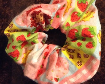 hair scrunchie strawberry shortcake