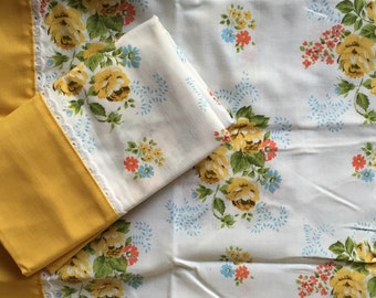 Set of 2 Vintage Pillow Cases - Bedding, Cottage Charm - never used