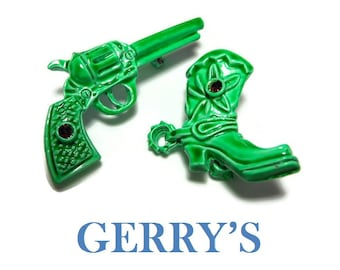 Gerry's pistol and boots scatter pins, rare bright green gun and western style boot with spurs brooches, ruby red rhinestone, tie tacks pins