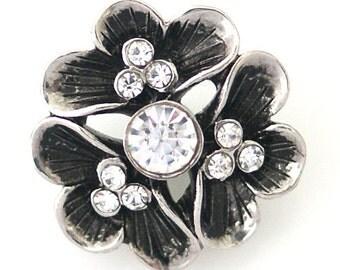 1 PC 18MM White Flower Rhinestone Silver Snap Candy Charm kb8788 CC1028
