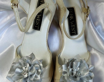 Bridal Shoe Clips, Silver Shoe Clips, Flower Shoe Clips, Wedding Accessories, REX16-203SC