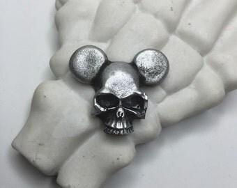 Mickey skull pin