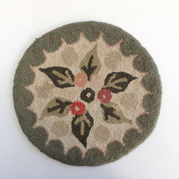 Small Round Hooked Rug Or Chair Pad / Seat Cover / Light And