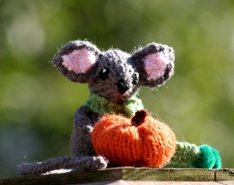 Little Knit Mouse Doll or Car Mirror Decor - Pumpkin Fall Mouse