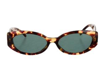 90s GUCCI Tortoiseshell Marbled Resin Oval Eye / Round Cat Eye Vintage Designer Sunglasses