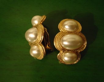 Vintage 1980s Pearl Trio Oblong Cluster Clip On Earrings
