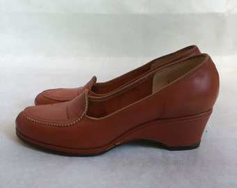 SALE!Unworn 1950s shoes, Waukezey