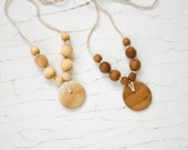Simple Nursing Necklace with Pendant - Applewood, Juniperwood - Baby Teether, Breastfeeding, Babywearing, Teething Necklace - FrejaToys