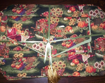 Placemat Set (8) with Matching Table Runner