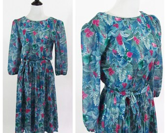 Vintage 1980s Dress - Blue Tropical Print Accordion Pleated Day Dress - Long Sleeve Matching Tie Dress - Size Medium to Large