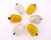 Vintage Figural Mercury Glass Grape Cluster Christmas Holiday Ornaments Japan Set Of Six Silver And Gold