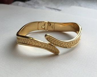 Vintage Women's Jewlery- Simple Bracelet Cuff in Scalloped Gold Tone by Monet