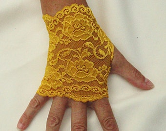 Gold Lace Gloves   -  Stretch Lace Fingerless Gloves .