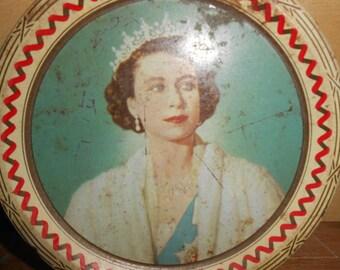 Retro Vintage Round Cookie Tin Box Queen Elizabeth Coronation Souvenir 1953