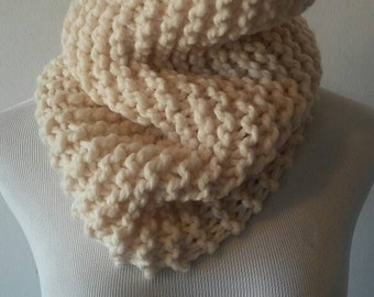 Chunky knit scarf in cream, chunky knit cowl, circle scarf, knit eternity scarf, winter accessories