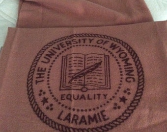 Vintage University of WYOMING Laramie BLANKET/Back to School