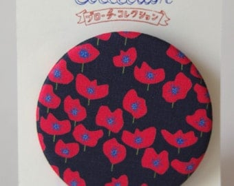 """Brooch with our original fabric """"Coquelicot (Poppy)"""" small flowers-black"""